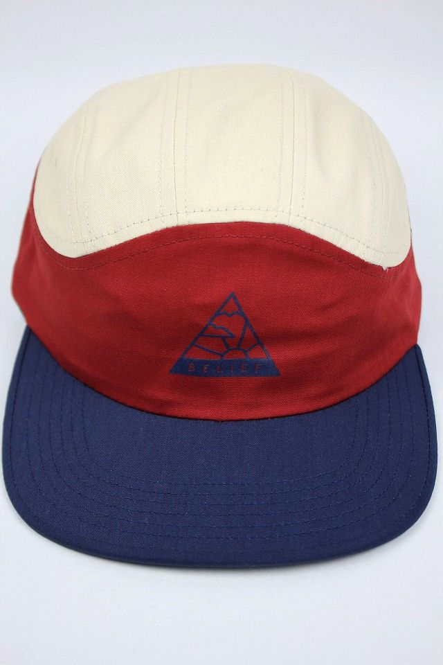 "BELIEF / ""HORIZON"" SPORT CAP / natural×cardinal red×navy"