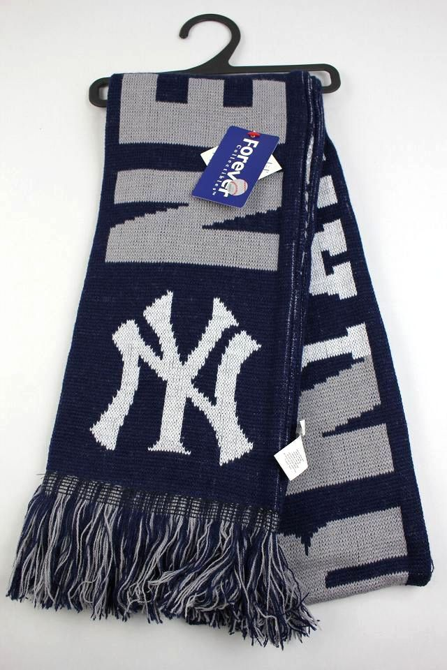"FOREVER COLLECTABLES / ""NEWYORK YANKEES"" MUFFLER"