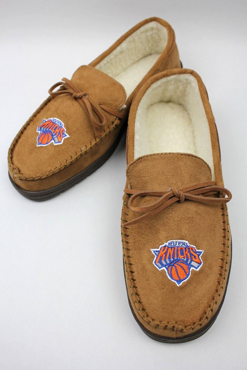 "FOREVER COLLECTIBLES / ""NEWYORK KNICKS"" ROOM SHOES / light brown"
