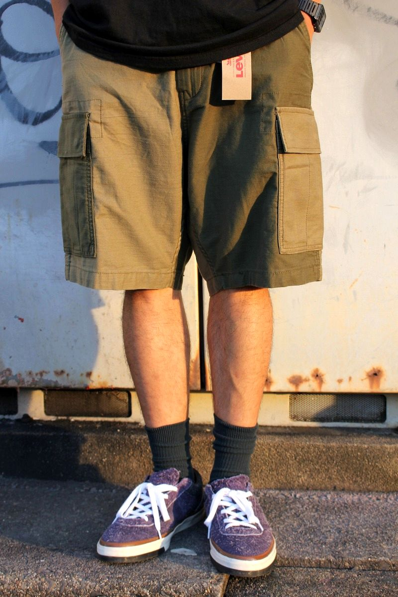 LEVI'S / COLOR BLOCK CARGO SHORTS / olive×khaki
