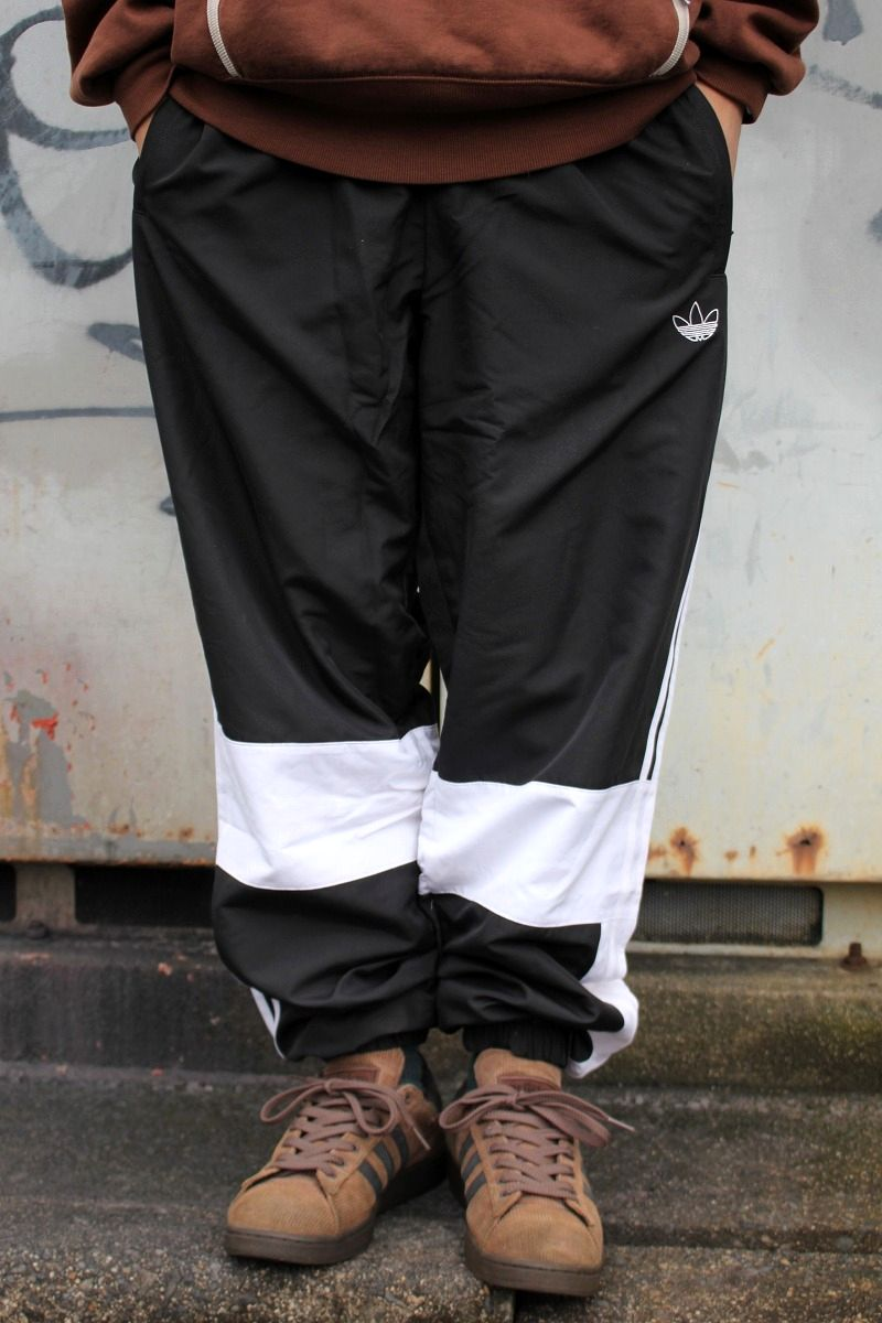adidas ORIGINALS / ASYMM TRACK PANTS / black×white