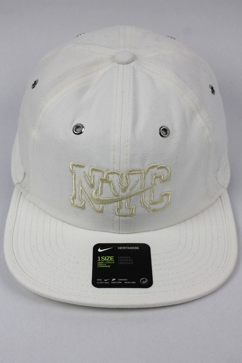 "NIKE / ""NYC"" STRAPBACK CAP / off white"