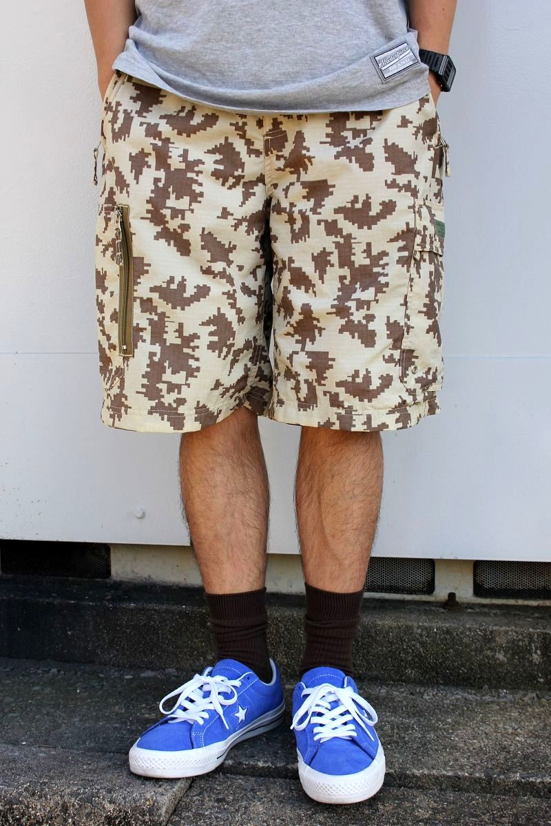 USED!!! STUSSY / DIGITAL CAMO RIP-STOP NYLON SHORTS (00'S) / beige