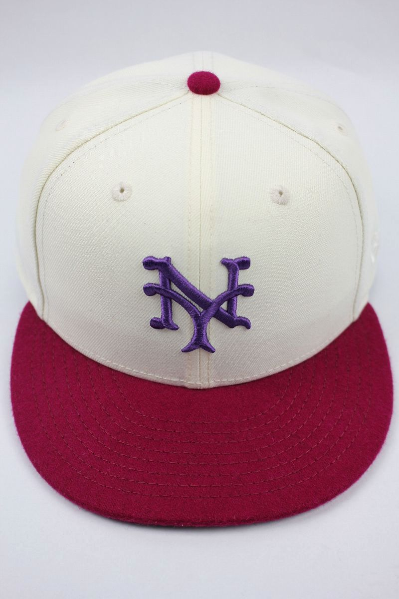 "NEWERA×PACKER / ""1916 NEWYORK GIANTS"" COOPERSTOWN COLLECTION FITTED CAP / light cream×raspberry Purple"
