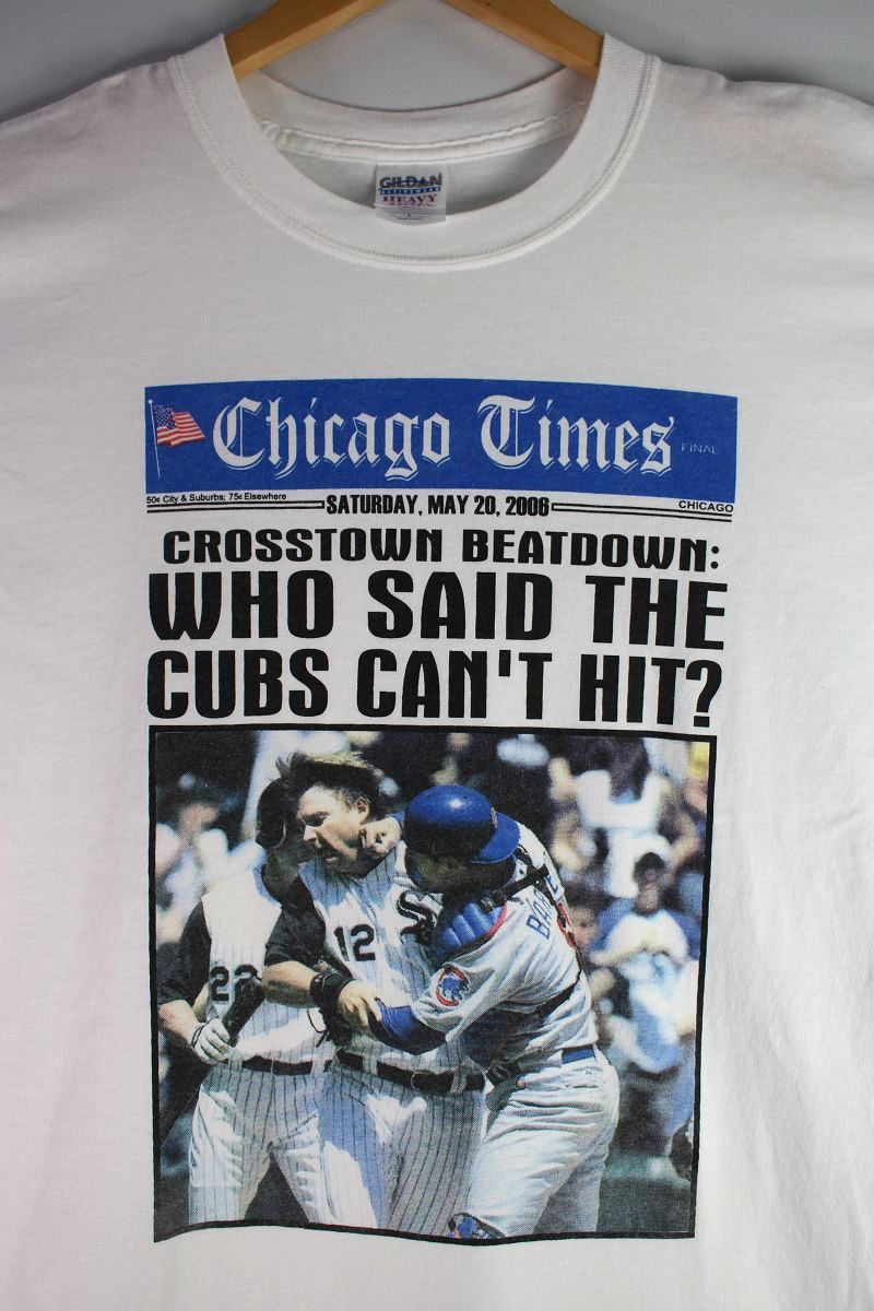 """USED!!! """"CUBS vs SOX on CHICAGO TIMES"""" NEWS PAPER  Tee (00'S) / white"""
