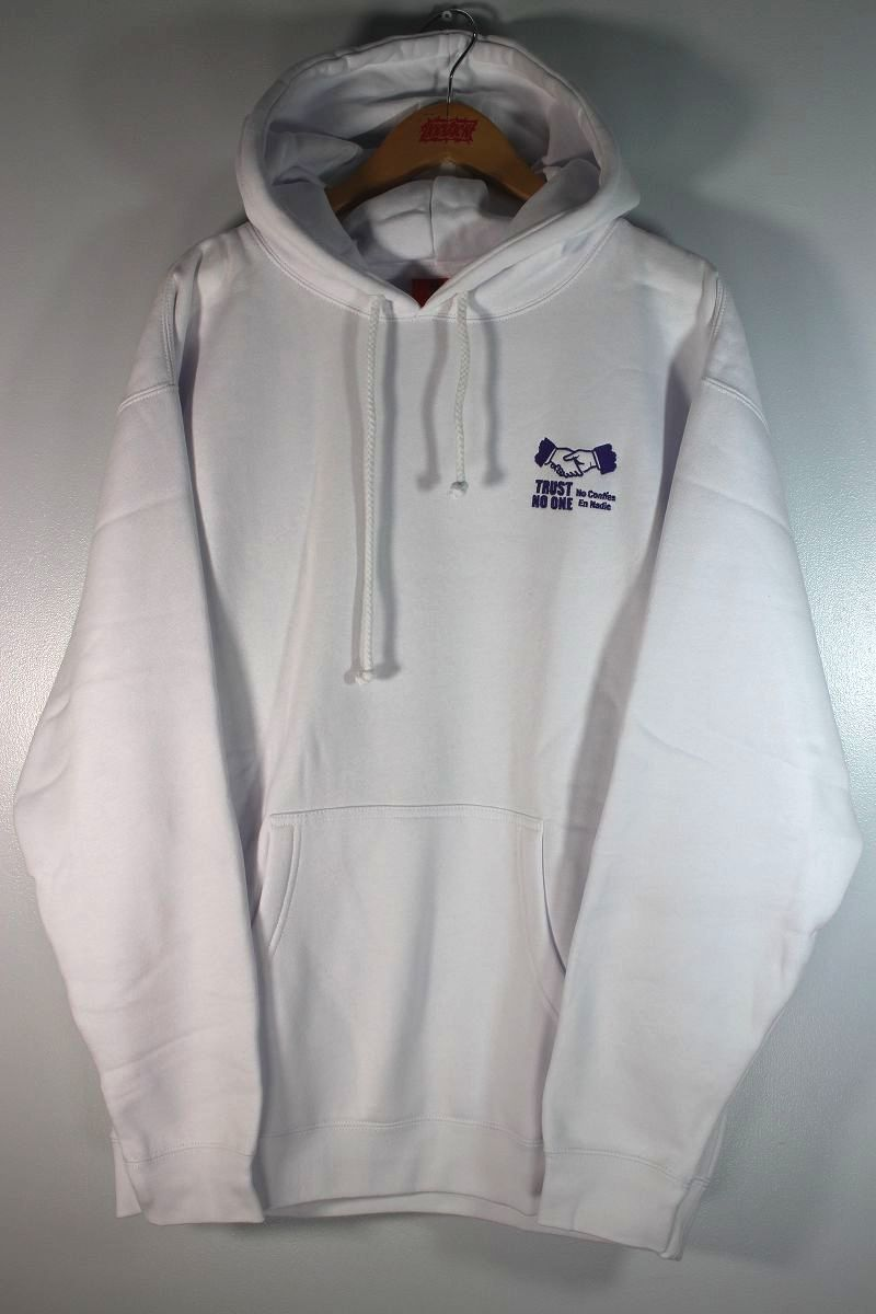 """COLD WORLD FROZEN GOODS / """"TRUST ISSUES"""" PULLOVER HOODIE / white"""